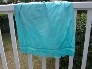 Kettle-dyed nylon slip